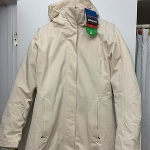 New Large Womens Patagonia Coat with Tags
